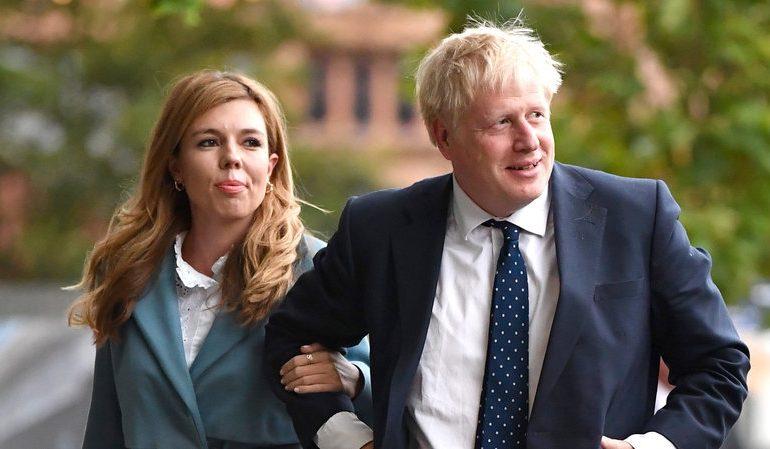 ბორის ჯონსონი და კერი საიმონდსი პირველ შვილს ზაფხულის დასაწყისში ელოდებიან
