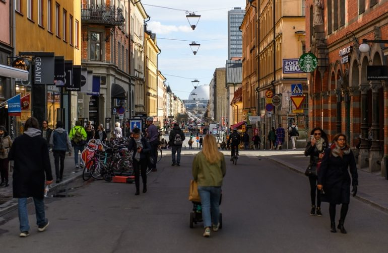 შვედეთი შეიძლება გახდეს პირველი ქვეყანა, რომელიც ნაღდ ფულს აღარ გამოიყენებს