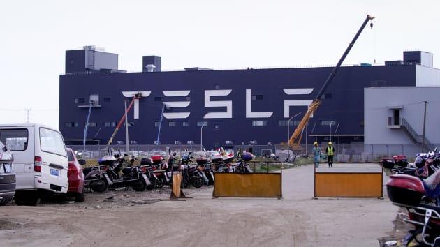 Tesla ჩინეთში წარმოებული 7 000 ელექტრომობილის ევროპაში ტრანსპორტირებას იწყებს – მედია