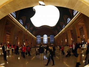 Apple – ხელგაშლილი მხარჯველი