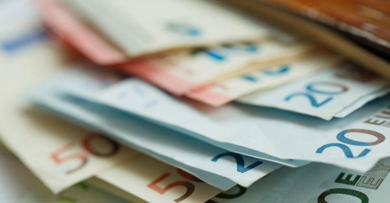 რომელ ევროპულ ქვეყნებში ატარებენ ყველაზე მეტ ნაღდ ფულს ჯიბით?