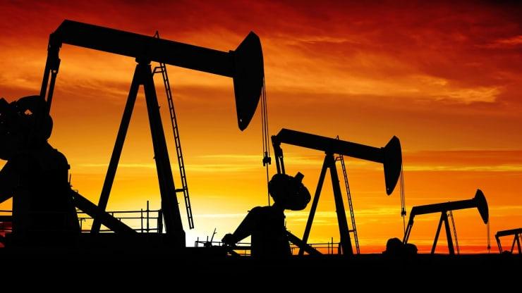 ნავთობის ფასი თითქმის 30%-ით დაეცა