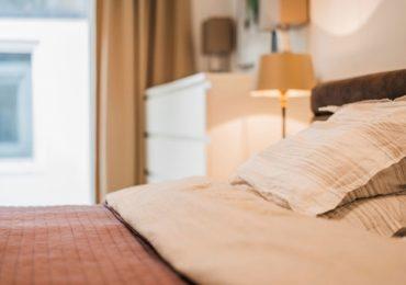 Airbnb vasıtasıyla Tiflislilerin elde edilen gelirleri son 3 yıl boyunca nasıl değişti