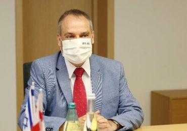 Making peace and winning the war against Coronavirus