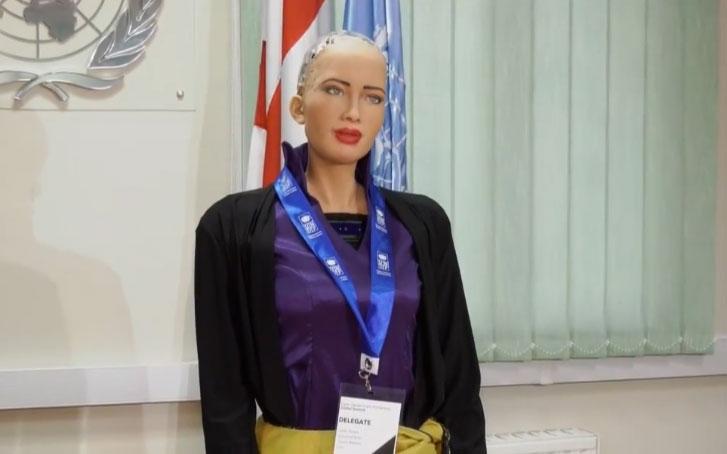 Dünyanın ilk vatandaş robotu Sophia Gürcistan'da