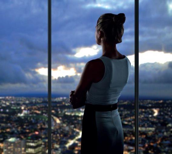 ქალი CEO-ს სამსახურიდან დათხოვნის ალბათობა უფრო მაღალია, ვიდრე კაცის