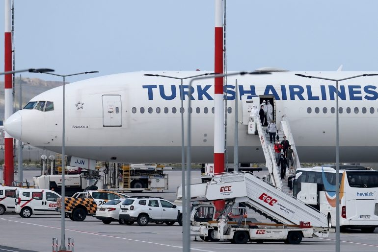 Turkey considering restarting flights by mid-May – but only domestic trips at first