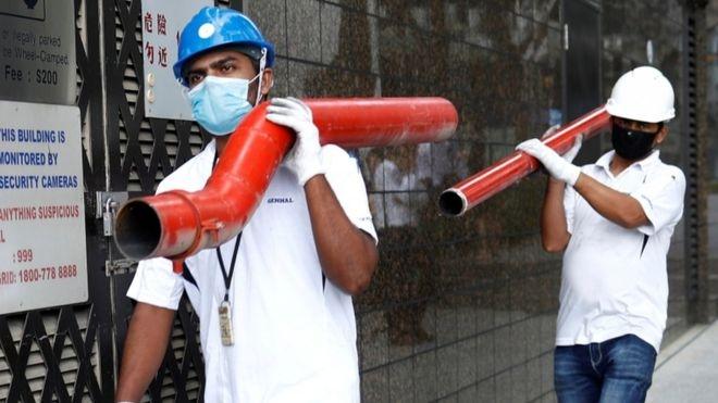 Coronavirus: Singapore quarantines 20,000 migrant workers