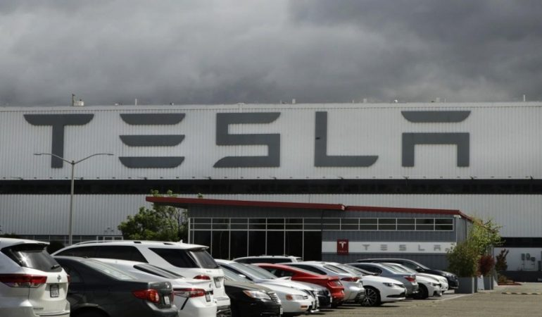 Foxbusiness: Tesla accuses rival Rivian of recruiting employees to steal trade secrets