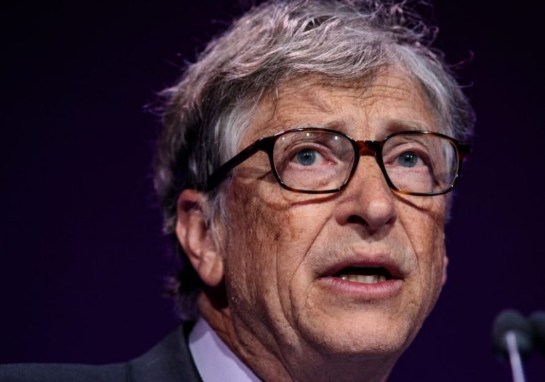 Bill Gates says we need a nationwide shutdown for at least 10 more weeks to fight coronavirus