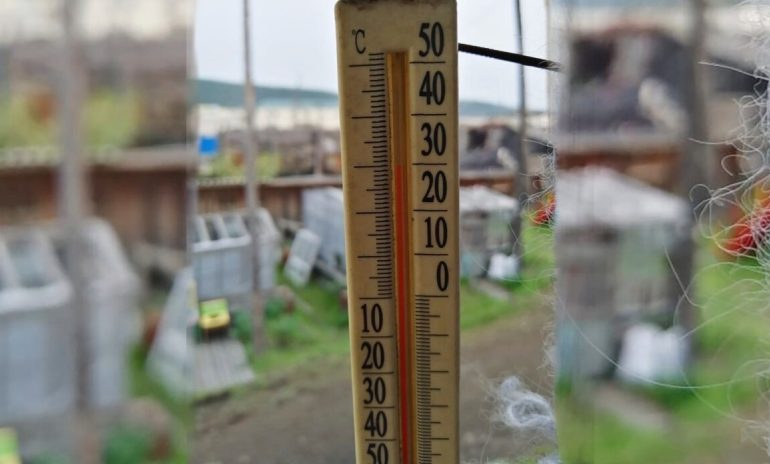 Temperature hits 100 F degrees in Arctic Russian town