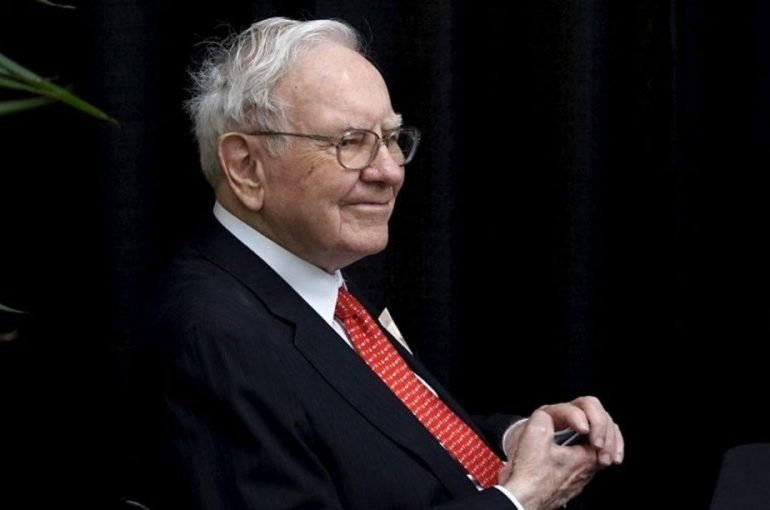 Warren Buffett's Berkshire Hathaway buys stakes in 5 Japanese investment companies