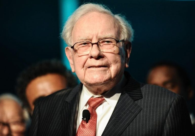 Buffett Sells More Stocks, Including Goldman Sachs, With No 'Elephant-Sized' Acquisition On The Horizon