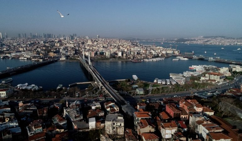 Turkey's new 3-year forecast expects sustainable growth, aims to improve current account balance