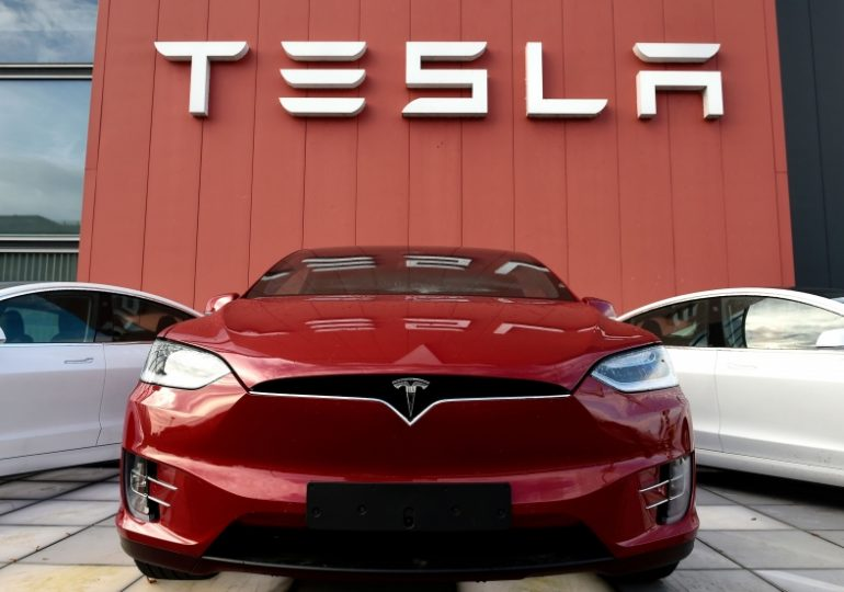Tesla's stock will rise 350% by 2025, analyst predicts