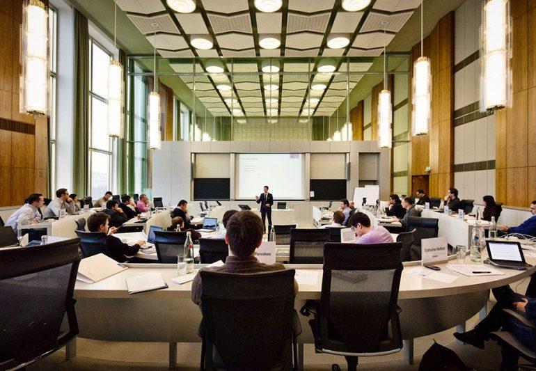 ESMT Berlin საინფორმაციო შეხვედრას მართავს