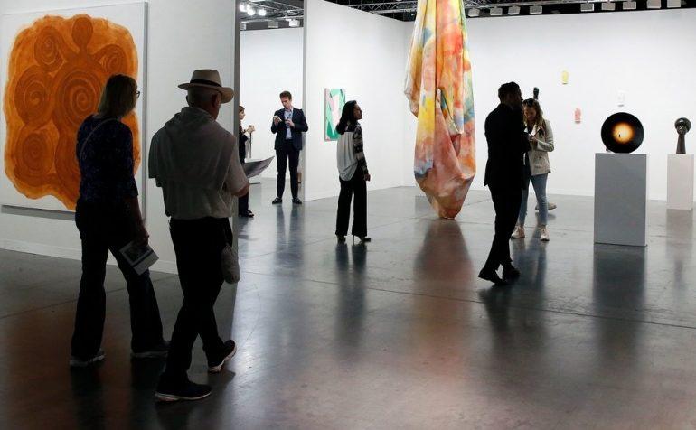 ჯეიმს მერდოკი Art Basel-ის აქციების 1/3-ს შეიძენს