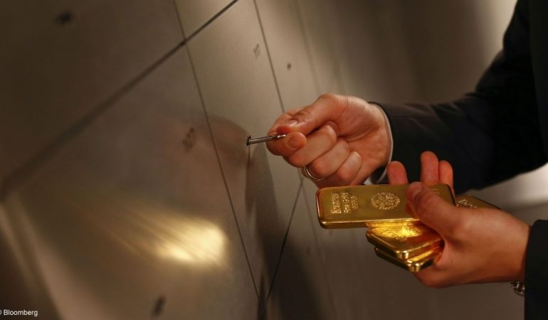 Russia, World's Biggest Buyer of Gold, Will Stop Purchases