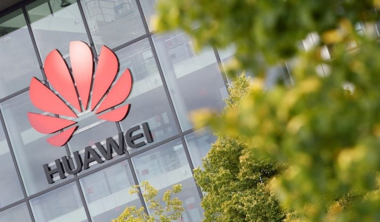 Samsung, LG Display to stop supplying panels to Huawei due to U.S. restrictions