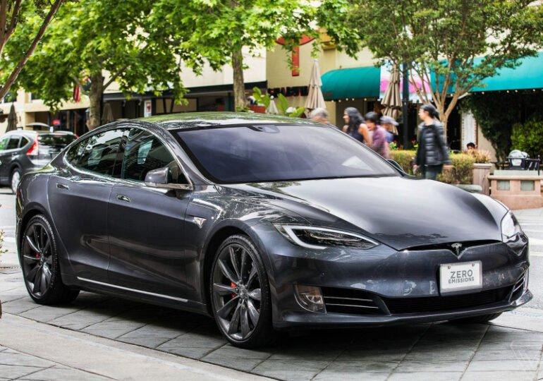 Tesla-მ ევროპაში ელექტრომობილები გააძვირა