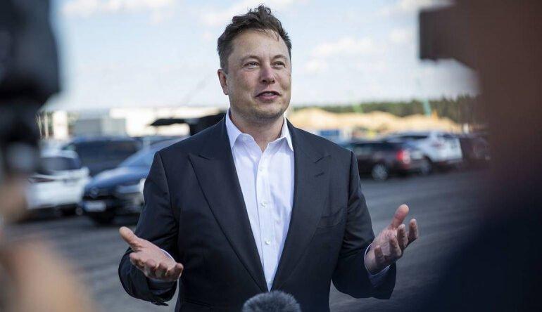 მასკის თქმით, მან ერთხელ Apple-ის CEO-ს ტიმ კუკს მიმართა Tesla-ს შეძენის თხოვნით