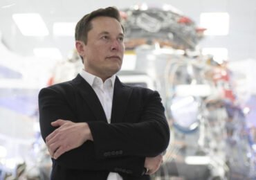 Tesla loses a third of its value for the third time in a year