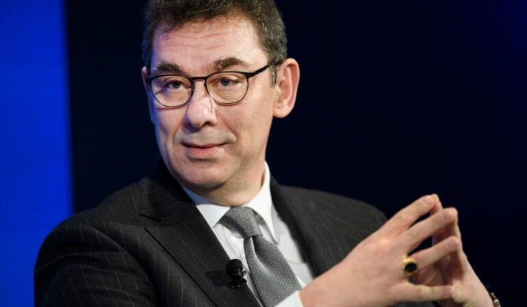 Pfizer-ის CEO აცხადებს, რომ სურვილი აქვს კორონავირუსის ვაქცინა პირველმა თავად გაიკეთოს