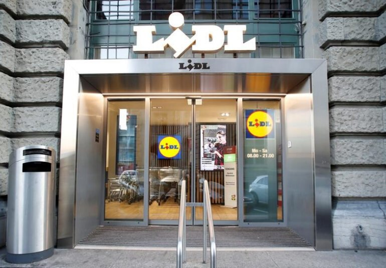Lidl offers $200 extra to U.S. workers to get COVID-19 vaccination