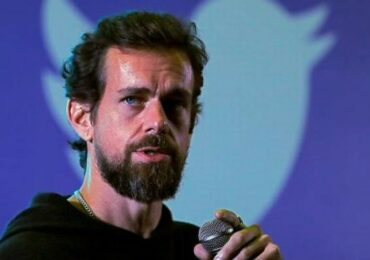 Twitter plans to double revenue by 2023, teases new 'super follow' feature