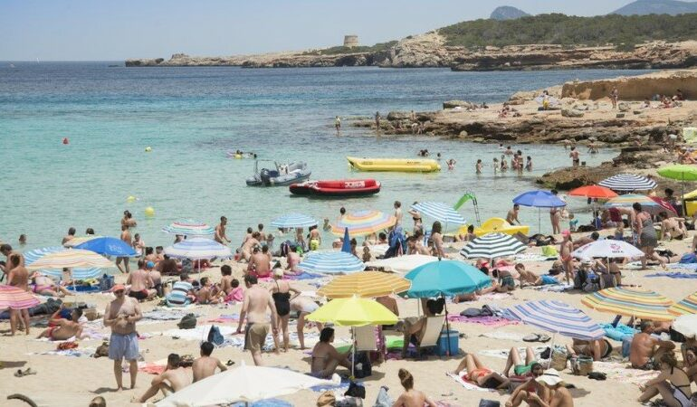 Ryanair forecasts 'strong return' of beach holidays this summer