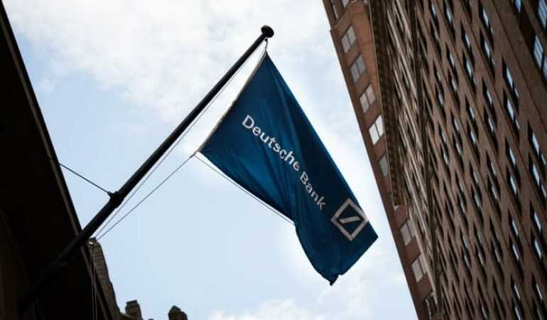 Deutsche Bank-მა CEO-ს და სხვა თანამშრომლების ბონუსები 29%-ით გაზარდა