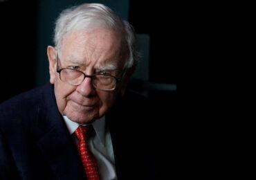 """უორენ ბაფეტი: """"ყველაზე დიდი საფრთხე კომპანიისთვის CEO-ს არასწორად არჩევაა"""""""