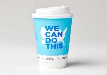 კოვიდვაქცინის პოპულარიზაციის მიზნით, McDonald's-ი ყავის ჭიქის დიზაინს ცვლის