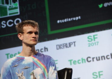 Ethereum-ის თანადამფუძნებელმა ინდოეთის დასახმარებლად $1 მილიარდზე მეტი გაიღო