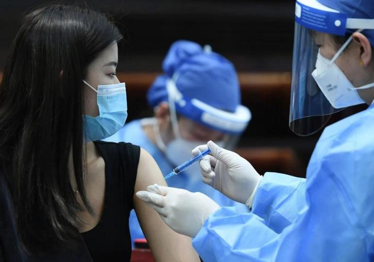 ჩინეთმა მოსახლეობის ასაცრელად ვაქცინების 1 მლრდ დოზა უკვე გამოიყენა