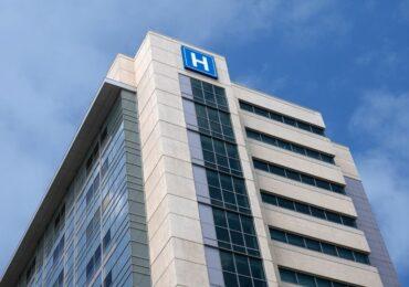 საქსტატის თანახმად, საავადმყოფოებში 2020 წლისთვის 47,500-მდე ექიმი და ექთანი იყო დასაქმებული