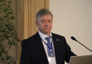 Dr Dariusz Edward Prasek
