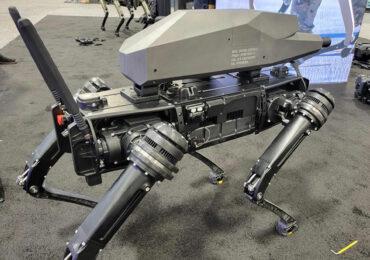 Ghost Robotics-მა ცეცხლსასროლი იარაღით აღჭურვილი ოთხფეხა რობოტი შექმნა